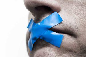 Vietato parlare. Cosa sta succedendo in Parlamento
